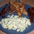 Un brunch hmmmm... <b>french</b> <b>toast</b>, bacon and garlic scrambled egg!
