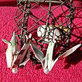 VENDUES - Origami BO Grues rayées et perles blanches nacrées.