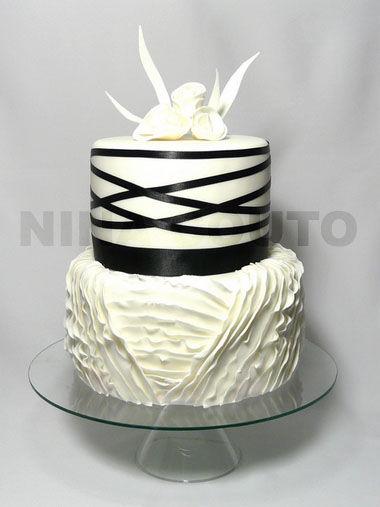 Wedding cake noir et blanc nina couto
