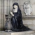 Statue funéraire aujourd'hui à la cathédrale de <b>Soissons</b> par Nicolas Guillain (1630)