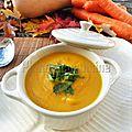 Velouté de carotte et de courge au lait de coco, gingembre et curry