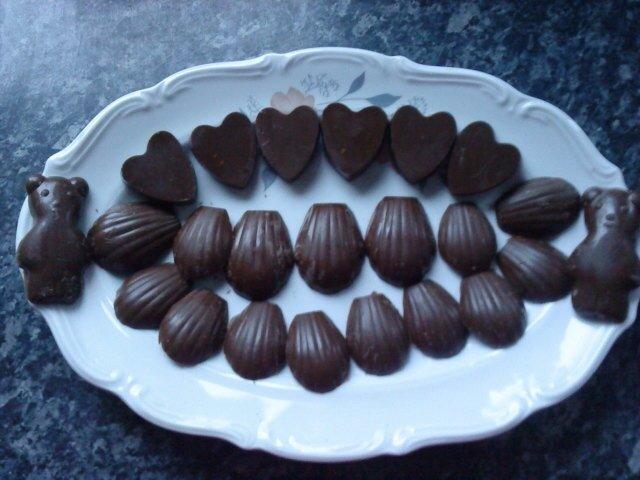 Copie de CREAS MERYEM DERSSERT annif maman 2013 petits chocolat au spéculoos (1)