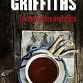 Elly griffiths : le secret des orphelins