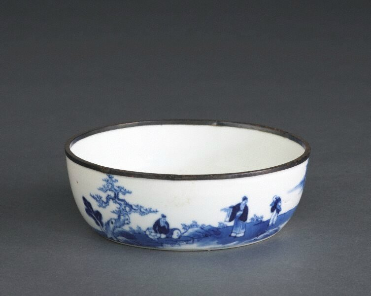 'Bleu de Hue' bowl with landscape painting and poem, 18th century-19th century, Qing dynasty (1644–1911), Export ware for Viet Nam, mark