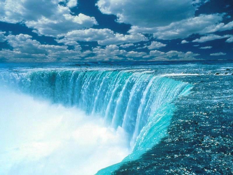 Le temps est comme le lit d'une rivière dont nous sommes l'eau
