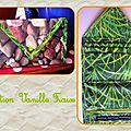 porte-feuille caillou et herbe