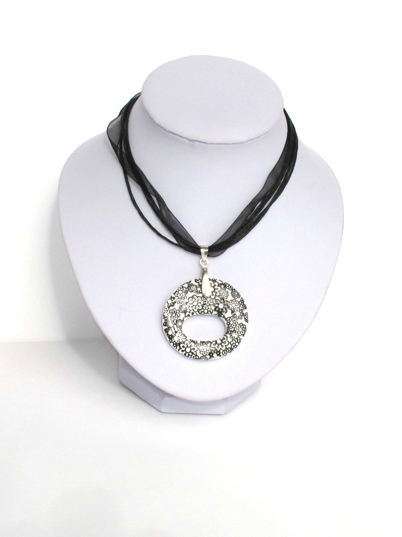 pendentif porte lunettes fimo rond fleurs noires buste blanc