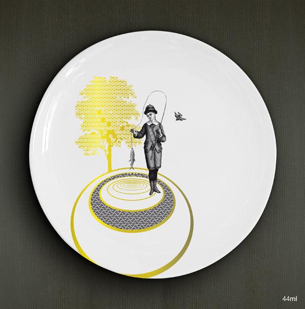 Le pêcheur / porcelaine de 26cm / noir et or