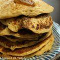 Pancakes à la farine de seigle et aux raisins secs