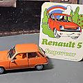 Un ancien <b>autocollant</b> Renault en l'honneur de la R5 !
