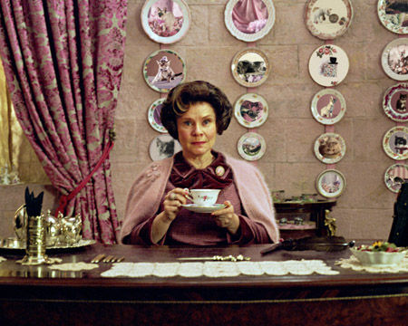 umbridge_desk