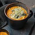Velouté patates douces, <b>carottes</b> & lentilles corail au curry #vegan #glutenfree