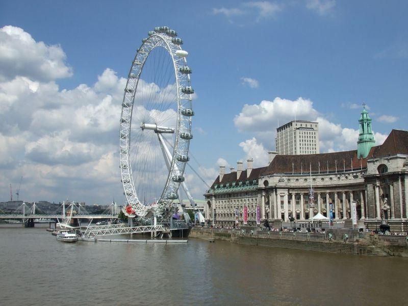 council hall and london eye