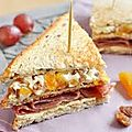 Club sandwich au roquefort creme .