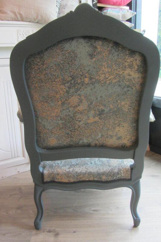 patine sur fauteuil