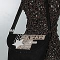 Couture addict ... une petite besace toute noire en lin ....