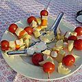 Brochettes tomates , surimi , gruyère
