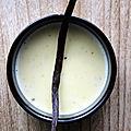 Recette facile et rapide : la <b>crème</b> <b>anglaise</b> (+ option Pierre Hermé) ou comment utiliser des jaunes d'oeufs