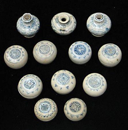 A selection of twelve blue and white small items. Late 15th/Early 16th Century