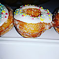 Cronuts express ( mi- croissant , mi-donuts)