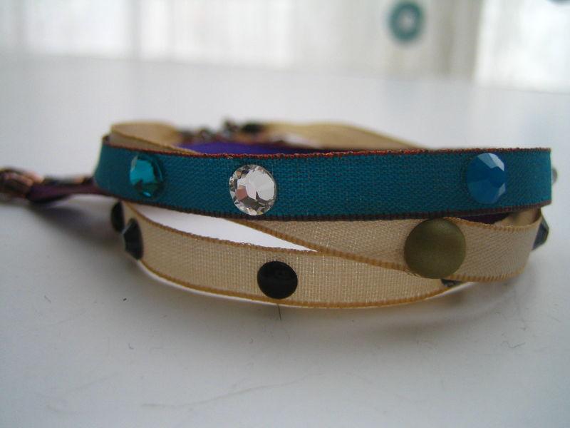 Bracelet ruban 4 eur l'un