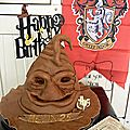 Gateau <b>Choixpeau</b> magique de Harry Potter .