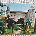 St Léonard de Noblat - foyer rural ex monastère