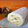 Roulé exotique noix de coco, chocolat blanc et fruits de la passion