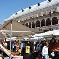 13 Le marché de la place aux herbes