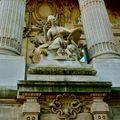 Statuaire et détail de la façade du Grand Palais.