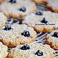 Cookies aux flocons d'avoine, huile de <b>noix</b> de <b>coco</b> et cassis Peureux, sans beurre