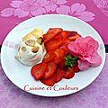 Cornet de murat à la chantilly de miel de camélia, carpaccio de fraises