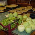 2009 11 05 Cyril qui fait des tartes aux pommes (2)