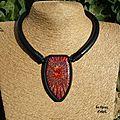 collier watusi rouge