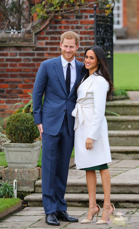 meghan-markle-prince-harry-engagement-photo-call-54