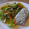 Saumon à l'aneth et salade de pâtes aux courgettes