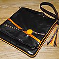 Sac plié <b>marron</b> et orange