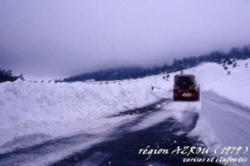 route vers AZROU