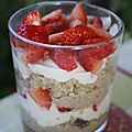 Smoothie rose, smoothie choco et verrine fraise quinoa