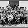 La <b>Malmaison</b>, octobre 1917, les officiers du 2e bataillon du 149e R.I..