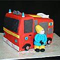 Gâteau 3d en pâte à sucre décor sam le pompier