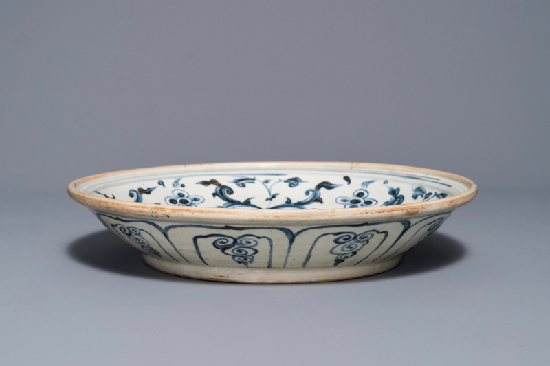 a-vietnamese-blue-and-white-lotus-shipwreck-dish-hoi-an-hoard-15th-c-3
