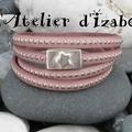 Les couleurs pastels reviennent en force cet été ! Alors voici un modèle de <b>bracelet</b> rose pastel moderne et sympa 4 tours !