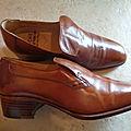 C626 : Chaussures cuir caramel 70's P.39