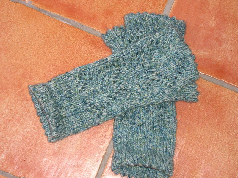 Bluebell Lacy Wrist warmers 2