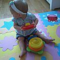 Ses jouets préférés à huit mois