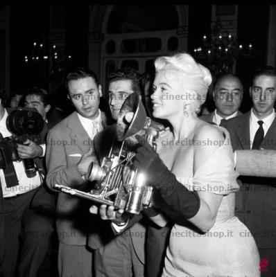 jayne-1957-10-italie_rome-1