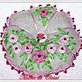 Citrouille pique aiguilles brodée rubans roses anciennes cœurs perles rouges 12x3cm