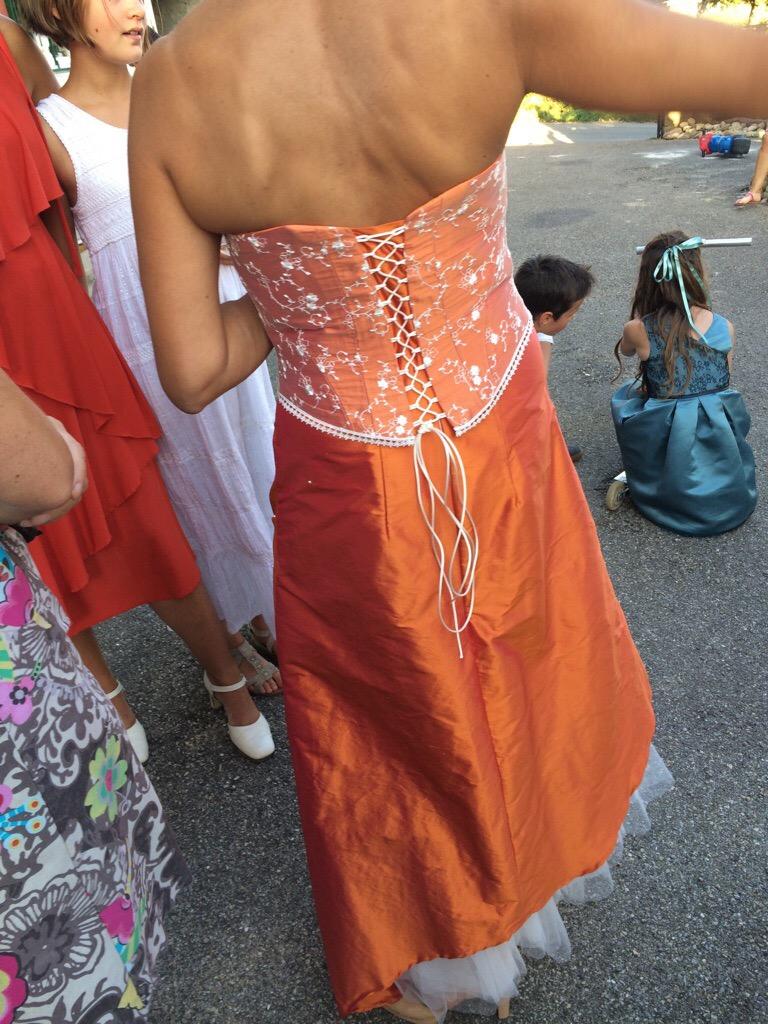 Celle qui a fait une robe de mariée.