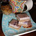 Carrés à la ricotta et aux <b>bluets</b> + cupcakes aux <b>bluets</b>